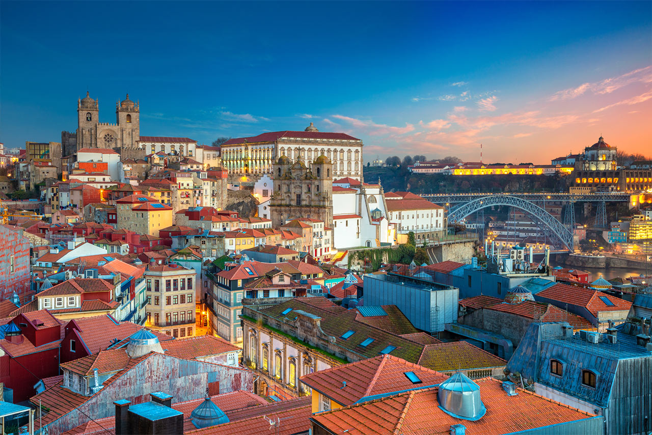 Porto-panoramic-city-life