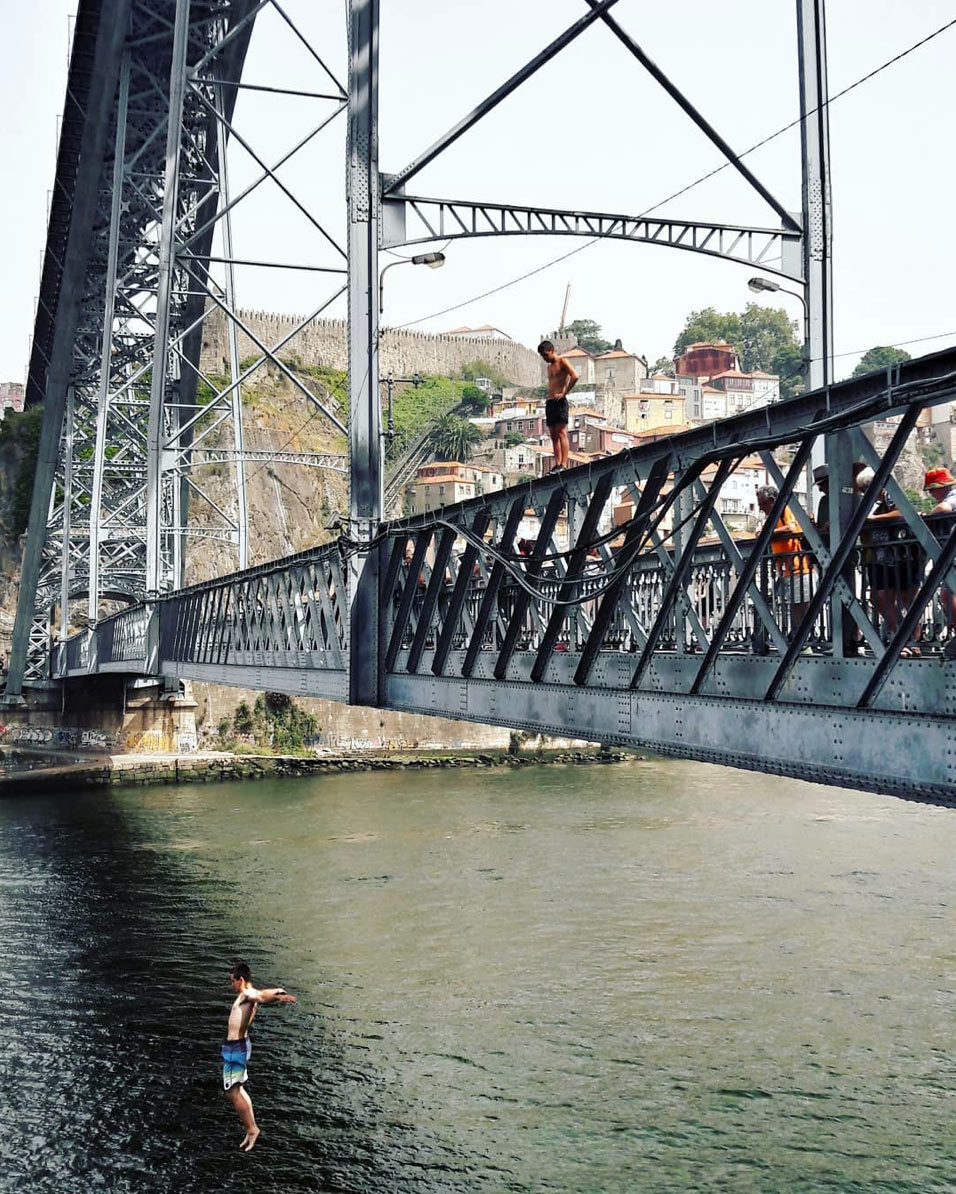 jumping-in-douro-river
